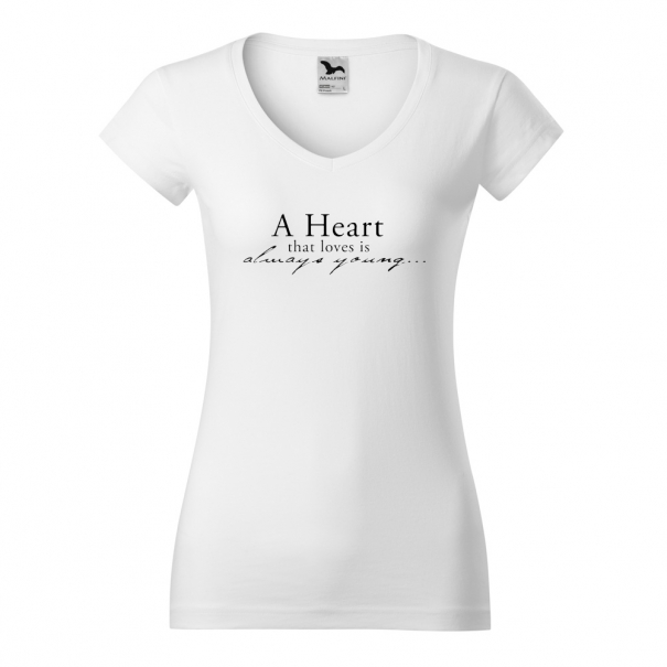 Tricouri personalizate cu mesaj A heart that loves is
